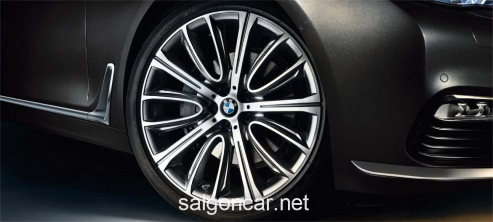 BMW 740i La Zang
