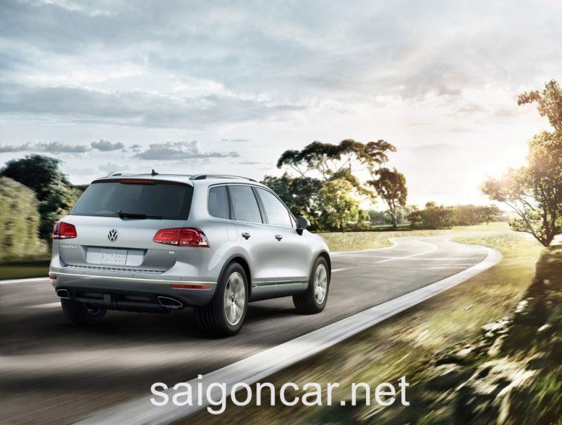 Volkswagen Touareg Duoi Xe