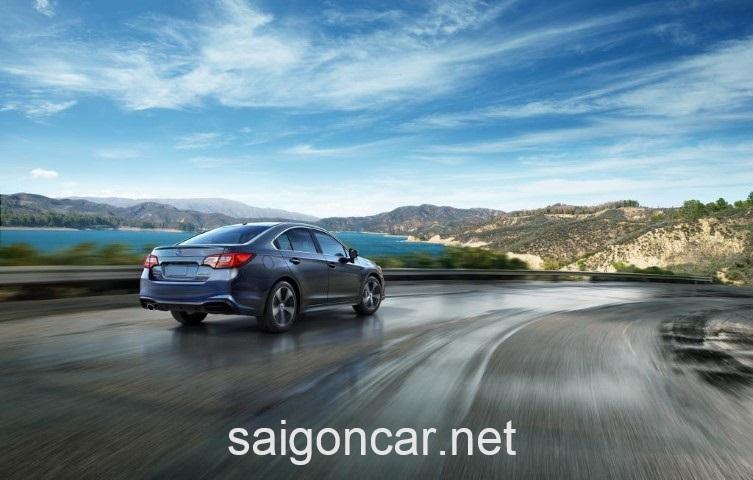Subaru Legacy Duoi Xe
