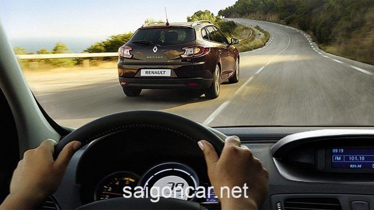 Renault Megane Duoi Xe