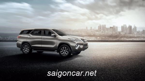 Toyota Fortuner Hong Xe
