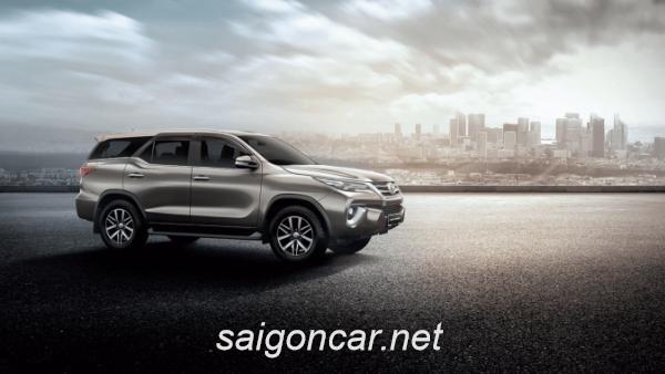 Toyota Fortuner Hong Xe