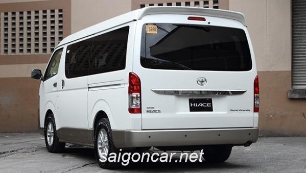Toyota Hiace Duoi Xe