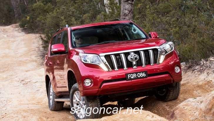 Toyota Land Cruiser Prado Den Xe