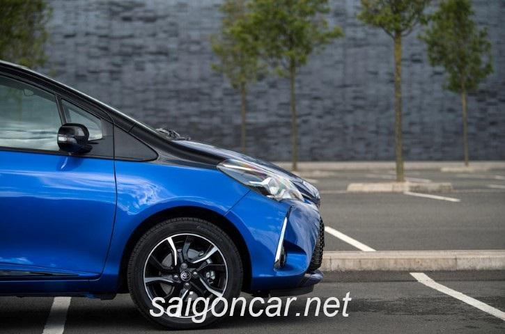 Toyota Yaris Hong Xe