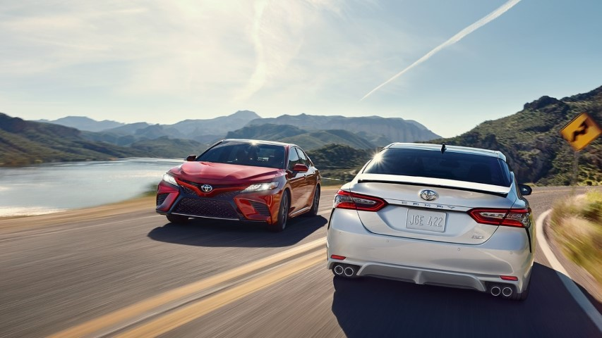 Toyota camry 2019 duoi xe
