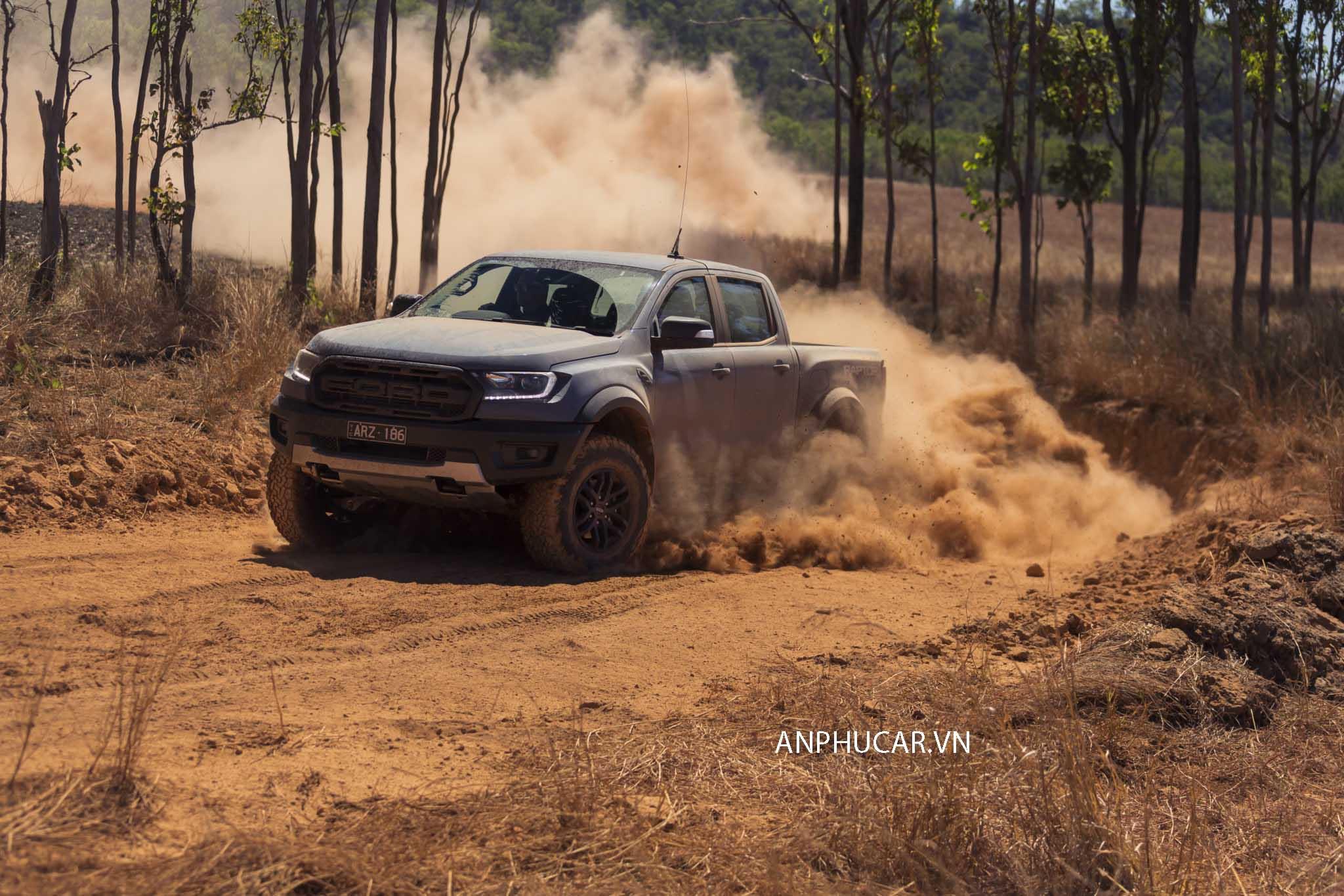 Giá xe Ford Ranger Raptor 2019