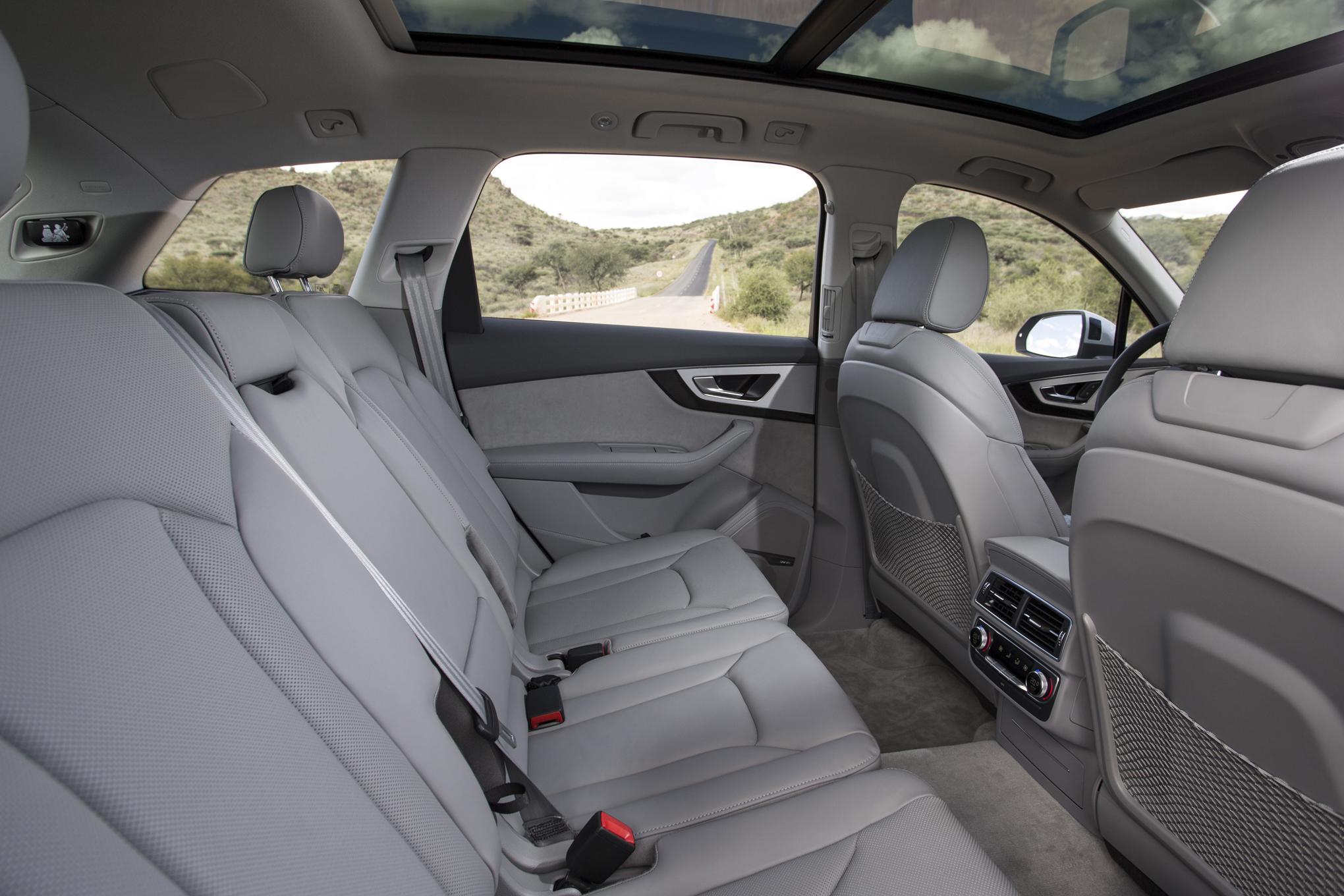 Hàng Ghế Sau Audi Q5 2020