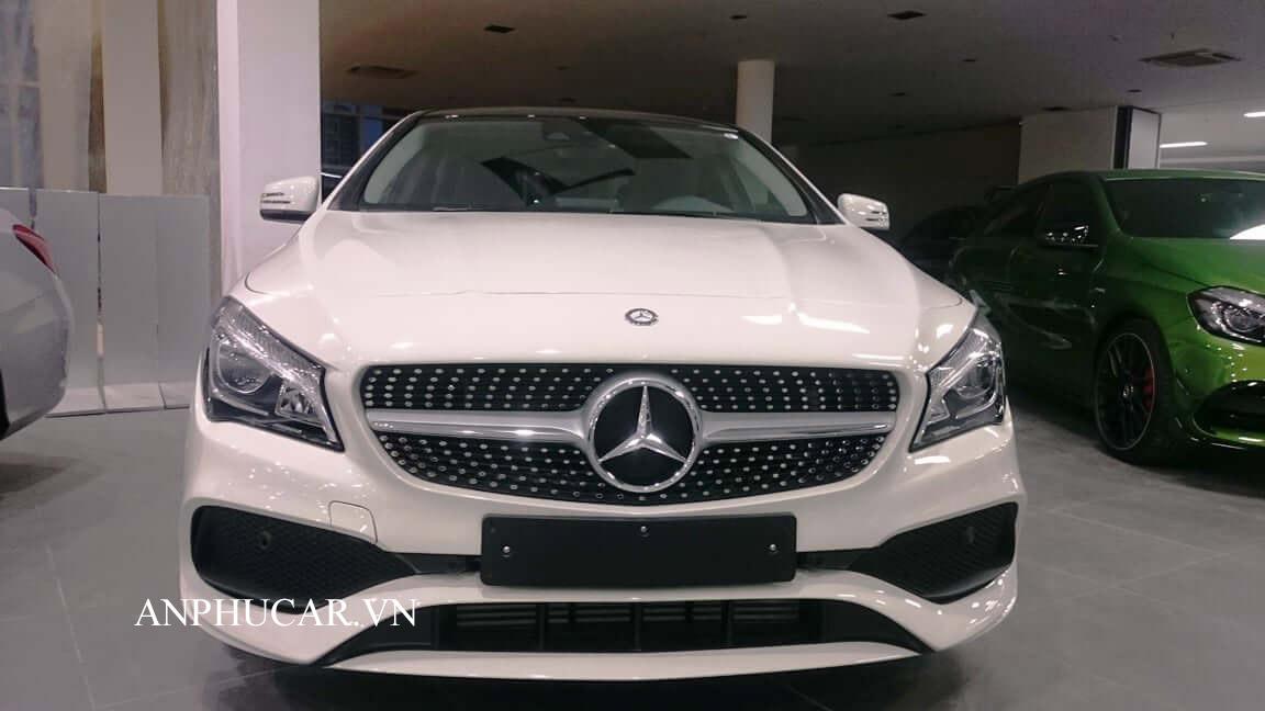 Mercedes khuyến mãi