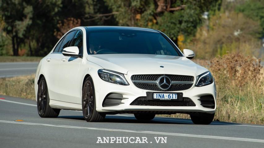 Khuyến mãi Mercedes Benz C300 2020