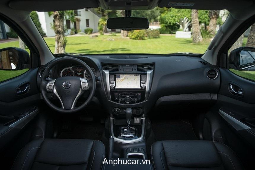 Nissan Navara 2020 Noi That