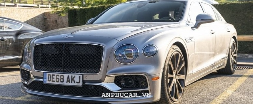 Bentley Flying Spur 2020 khuyen mai