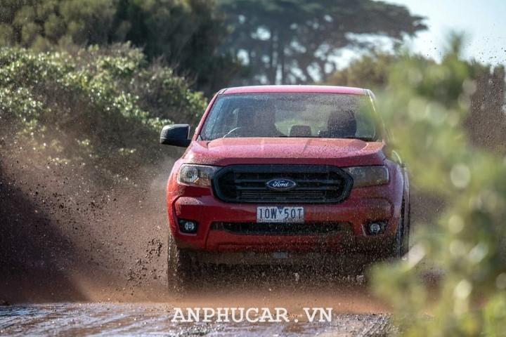 Ford Ranger XLS Sport gia lan banh