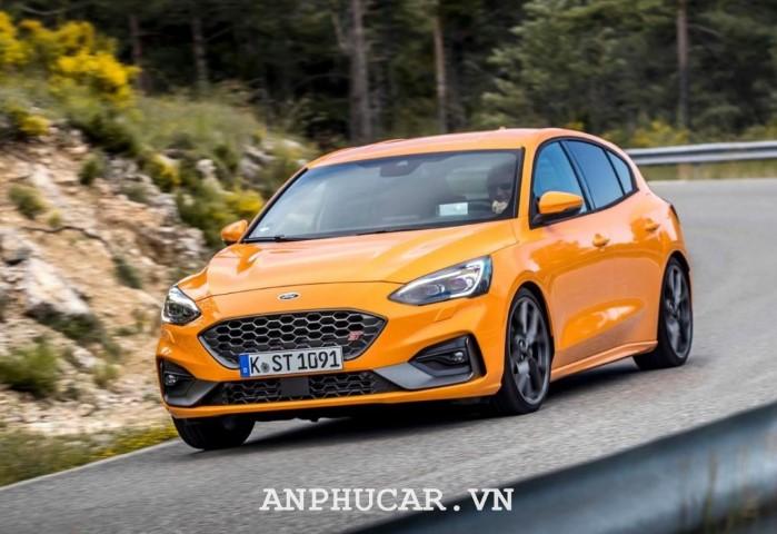 Ford Focus 2020 khuyen mai