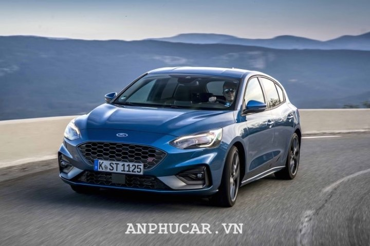 Ford Focus 2020 mua xe