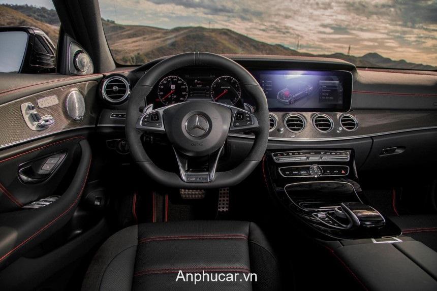 Mercedes AMG E63 2020 Noi That