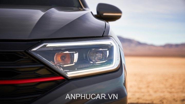 den truoc Volkswagen Jetta 2020