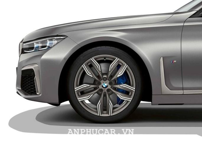 BMW M760li XDrive 2020 van hanh