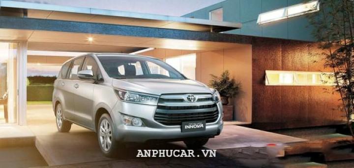 Toyota Innova 2020 gia lan banh