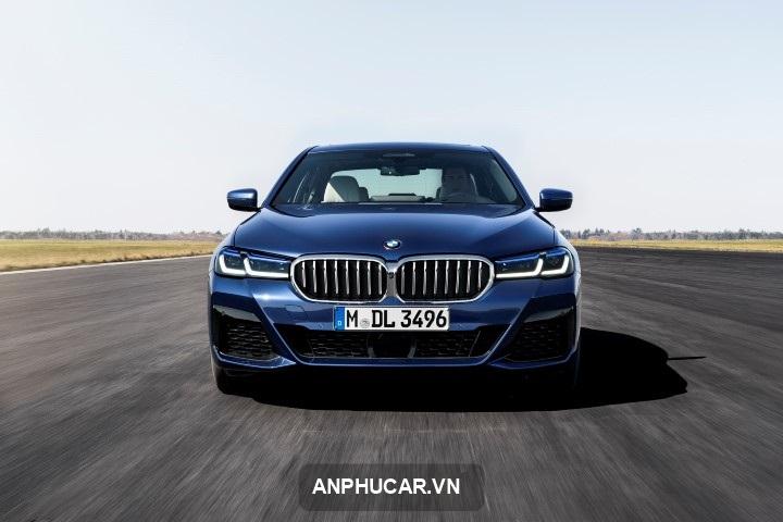 xe BMW 5 Series 2021